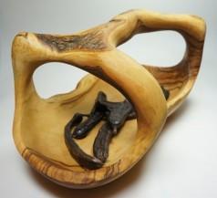 Koš z olivového dřeva