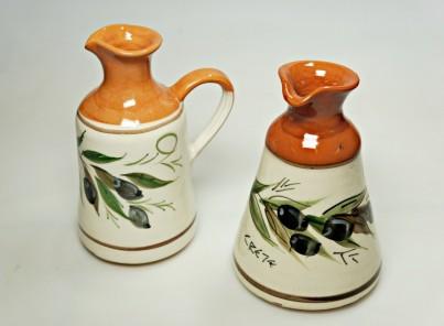 Krétská užitková keramika Karafa na olivový olej - výška 13 cm