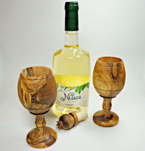 Dekorační pohár na víno z olivového dřeva