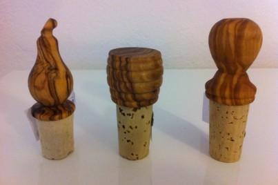 Korkový uzávěr na lahve z olivového dřeva